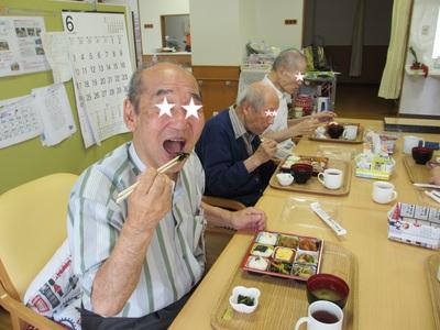 きゅうり 食事.jpg